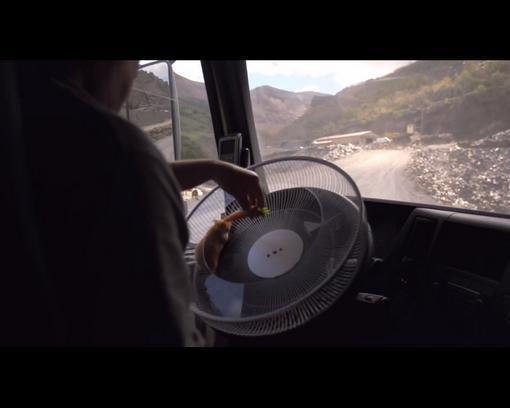 Хомяк за рулем Volvo