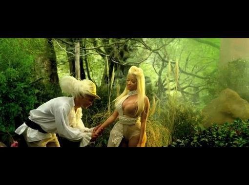 Nicki Minaj - Va Va Voom (Explicit) (OFFICIAL VIDEO) [HD 720p]