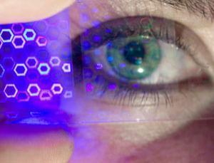 Американские ученые предлагают вмонтировать дисплеи в контактные линзы