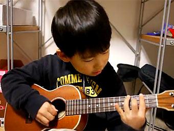 Ребенок с укулеле стал звездой YouTube