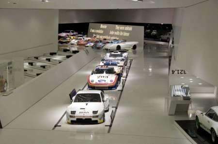 Музей Порше в Штутгарте фото