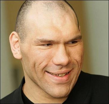 Валуев хочет драться сразу с двумя Кличко