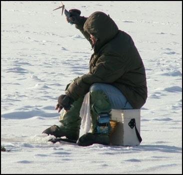 Выходить на замерзшие озера и реки опасно