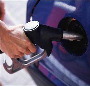 Почему в Украине дорожает бензин?