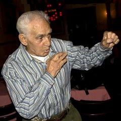 Умер старейший силач и боксер на планете