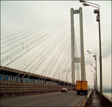 В Киеве подлатали мосты