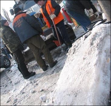 За 2 дня из Киева вывезли 10 тысяч тонн снега