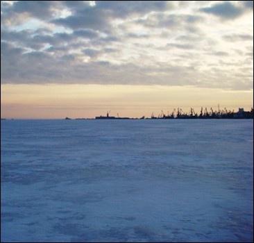 Азовское море сковал полуметровый лед