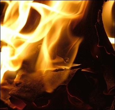 В Донецкой области горит свалка. Люди задыхаются