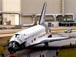 Endeavour отвез космонавтам новый туалет