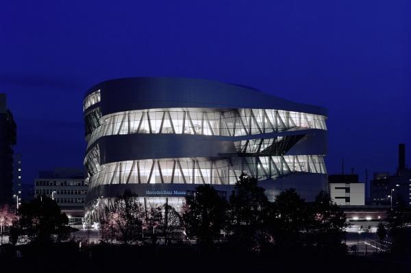 Музей Mercedes-Benz: в гостях у сказки