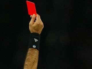 В Шотландии футболист получил 6 красных карточек за один матч