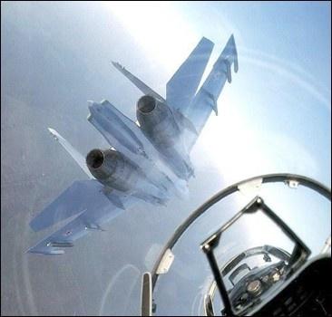 Разбился военный самолет - погибли оба пилота