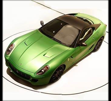 Ferrari презентовала суперэлектрокар.