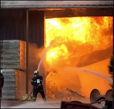Снова рвутся снаряды: пожар подорвал боеприпасы