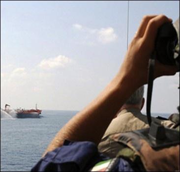 Украинские моряки у берегов Индии попали в беду
