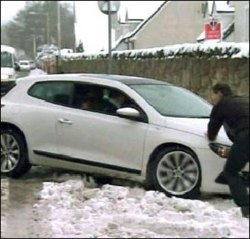 Британию неожиданно завалило снегом