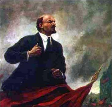 """На улицах появились билборды с Лениным, """"повесят"""" и Сталина"""