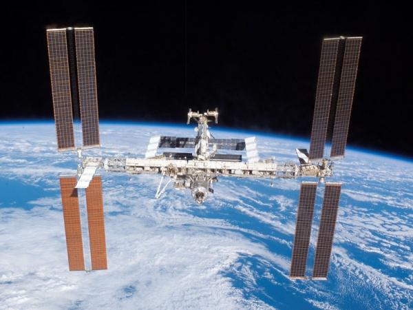 От МКС отстыковался шаттл Discovery