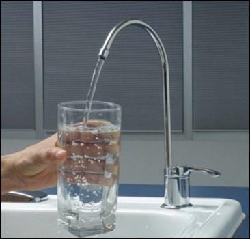 Горожанам в воду добавят хлорки