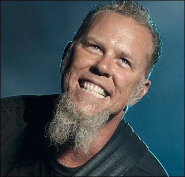 Лидер группы Metallica пострадал от мошенников