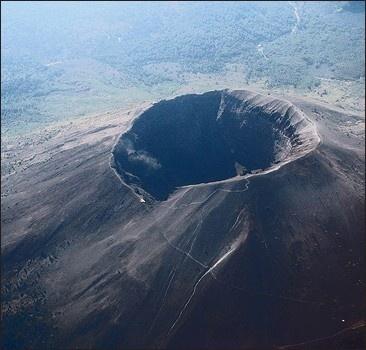 Италия ожидает мощного извержения Везувия