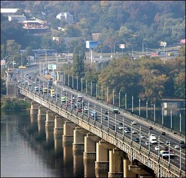 Мост Патона перекроют для ремонта