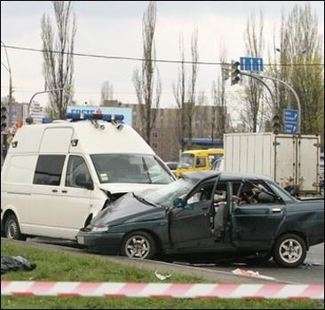 ДТП с кортежем: семья погибшего таксиста ждет помощи от Януковича