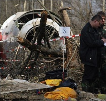 Идут поиски женщины из кабины разбившегося самолета Качиньского