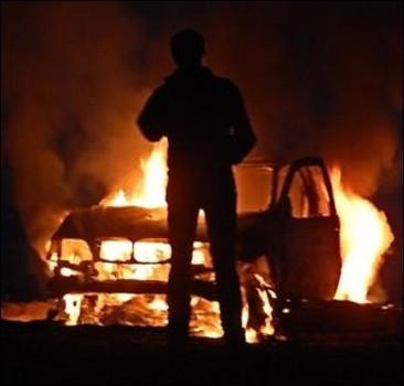 В центре столицы сгорел BMW-Х5