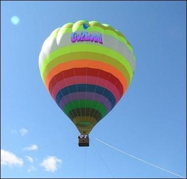 Американец перелетел через Ла-Манш… на воздушных шарах