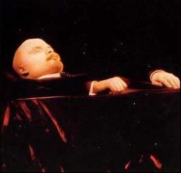 Ленина тайно захоронили?! В Мавзолее - его двойник?!