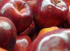 Яблочная кожура спасет мужчин от страшной болезни