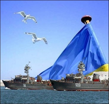 Россия перебрасывает в Украину военные корабли