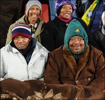 ЧМ-2010 под угрозой срыва: ЮАР завалило снегом.