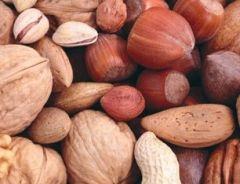 Орехи помогают бороться с высоким холестерином