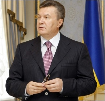 Янукович перепутал смерть Шевченко с юбилеем