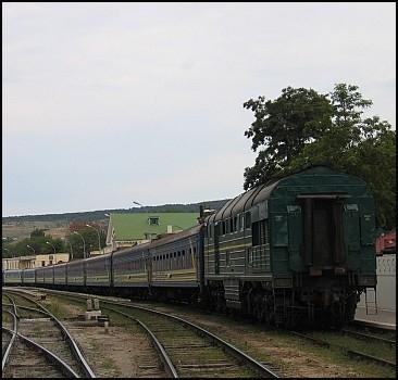 Ливни размыли ж/д полотно в Черновцах: поезда стоят