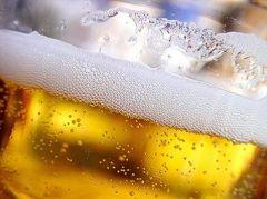 От солнечных лучей спасет пиво