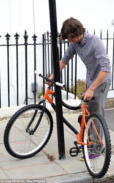 Замечательный складывающийся велосипед (4 фото)
