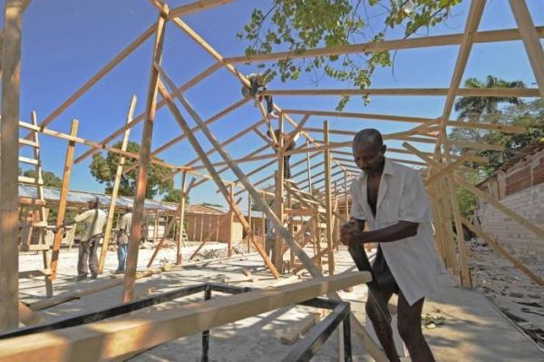 Гаити спустя полгода (43 фото)