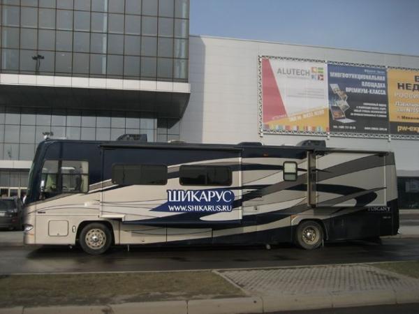 Люксовый автобус в Москве (7 фото)
