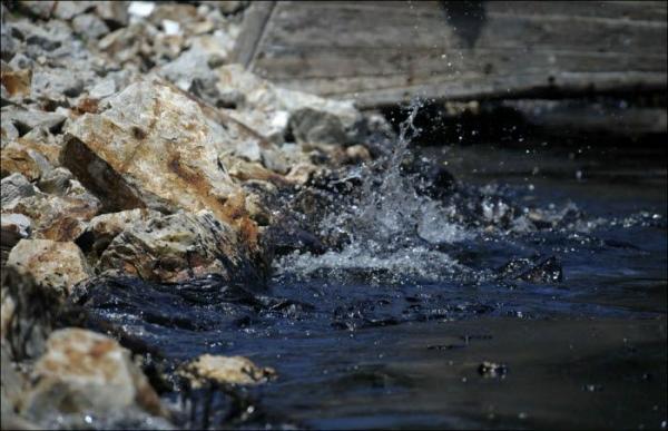 Утечка нефти в Желтое море. Китай. (29 фото)