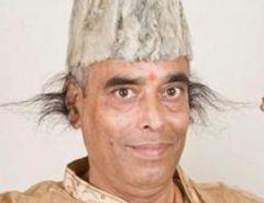 Индиец вырастил в ушах волосы длиной в 28 см