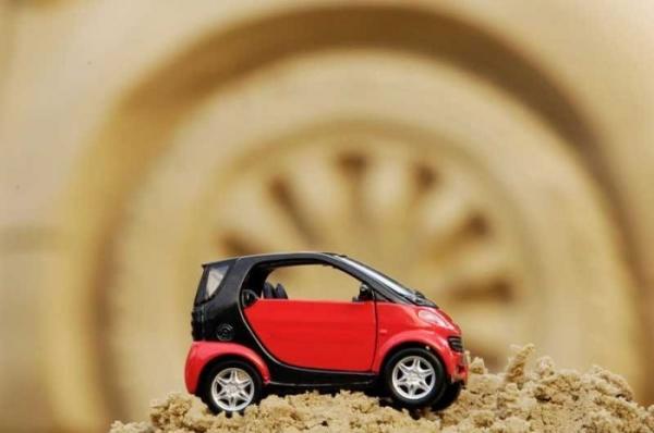 Скульптура автомобиля Smart (7 фото)
