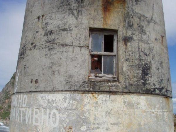 Заброшенный советский атомный маяк (21 фото)