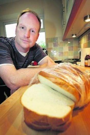 В хлебе продали мертвую мышь… без хвоста (3 фото)