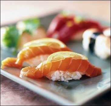 Осторожно: суши напичканы химикатами и паразитами