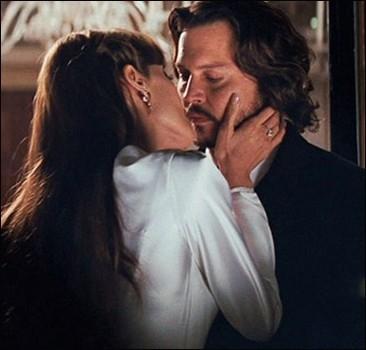 Жена запретила Деппу сниматься голым с Джоли
