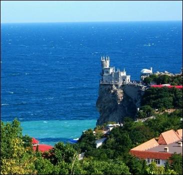 Крым вышел из кризиса и ждет туристов